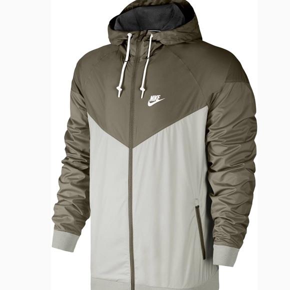 Nike windbreaker NWT